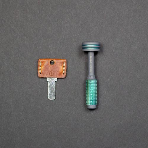 keychains-multi-tools-rain-z-hex-bit-screwdriver-anodized-titanium-2_2000x.jpg